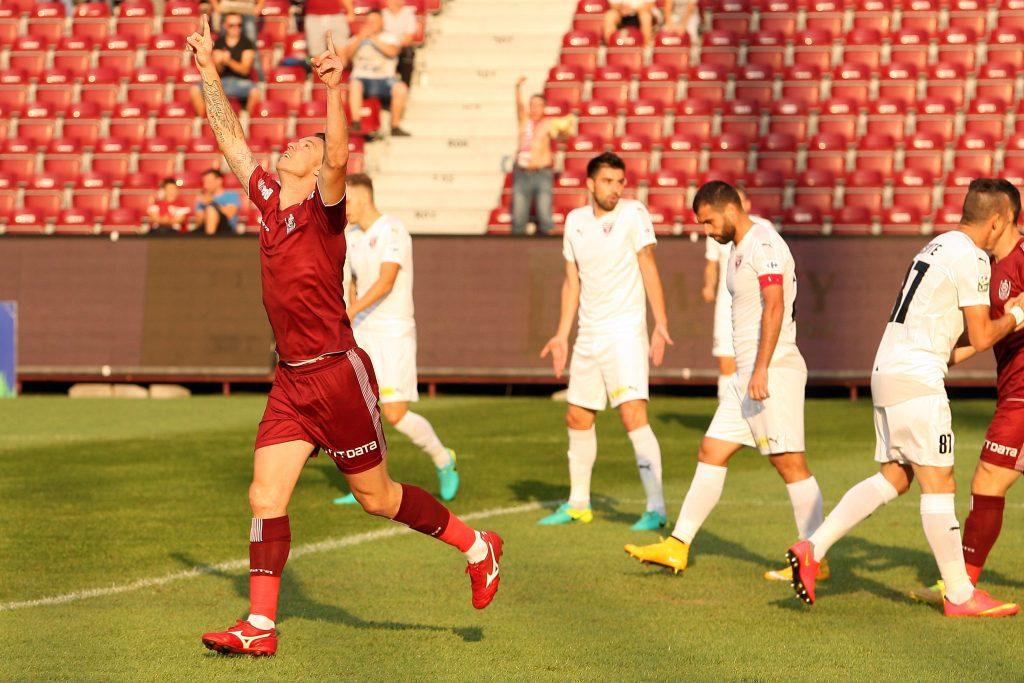 Cristian Bud se bucura dupa marcarea unui gol in meciul CFR Cluj - FC Voluntari.